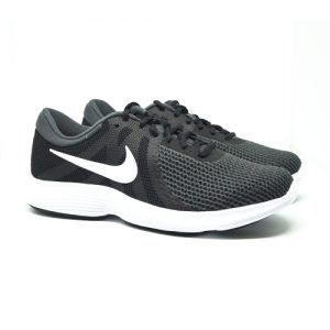 NIKE REVOLUTION 4 – BLACK/WHITE/ANTHRACITE