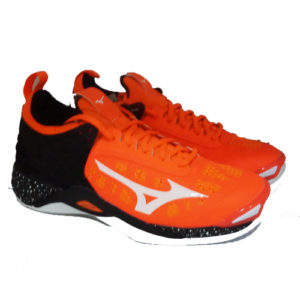 MIZUNO WAVE MOMENTUM – ORANGE/CLOWN FISH WHITE/BLACK